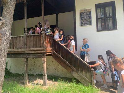 Посещение в етнографски комплекс Враца - ОУ Васил Левски - Враца