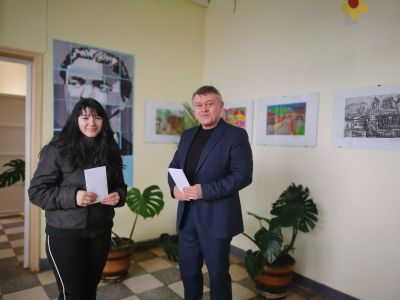 Връчване на стипендии за отличен успех - ОУ Васил Левски - Враца